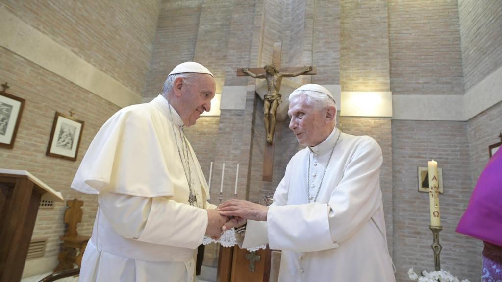 Benedetto-XVI-vaccino-papa