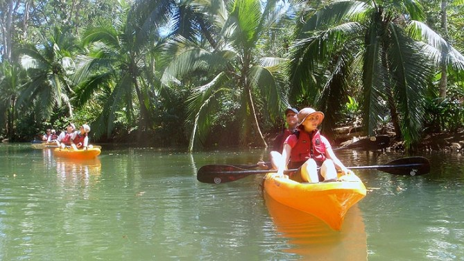 Kayak y Caminata