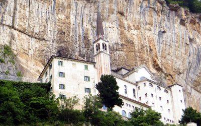 2 maggio 2018 · Santuario Madonna della Corona (Monte Baldo)