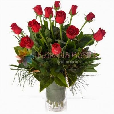 buchet_de_flori_cu_trandafiri.