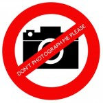 Wikimania_2014_No_photos_name_badge_sticker