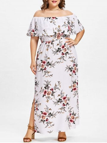 Rochia albă cu imprimeu floral și umerii goi