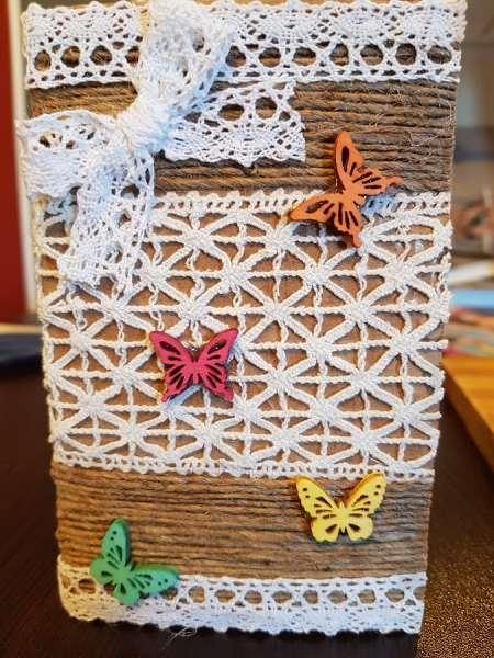 felicitare handmade sfoara fluturi si dantela