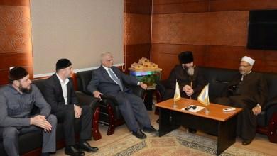 مفتي الشيشان يزور منظمة خريجي الأزهر