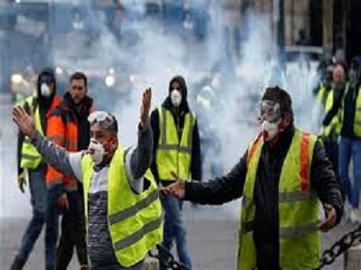 فرنسا: 31 ألف متظاهر ينتشرون في جميع أنحاء البلاد
