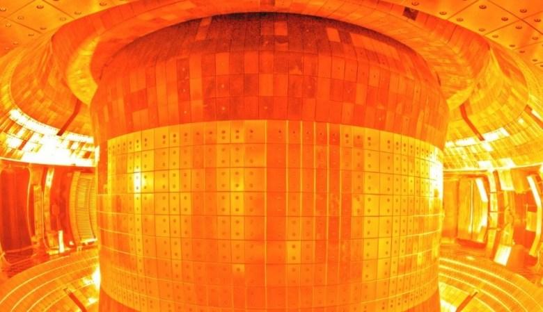 شمس الصين الصناعية