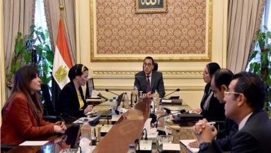 """رئيس الوزراء يتابع خطة """"البيئة"""" لمكافحة فيروس كورونا"""