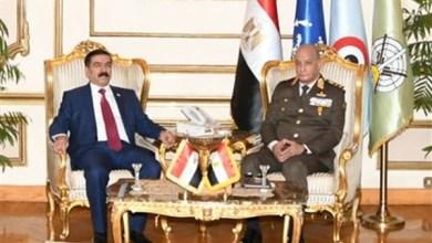 Photo of وزير الدفاع يلتقي نظيره العراقي والوفد المرافق له