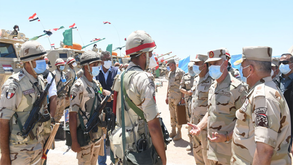 رئيس أركان القوات المسلحة يلتقي مقاتلي المنطقة الجنوبية العسكرية