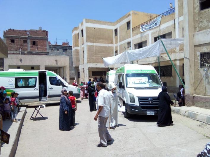 قافلة طبية علاجية بقرية ميت دمسيس مركز أجا