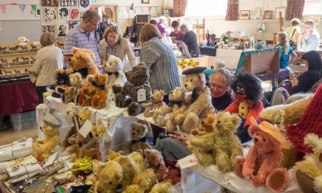 A faboulous desplay of teddy bears