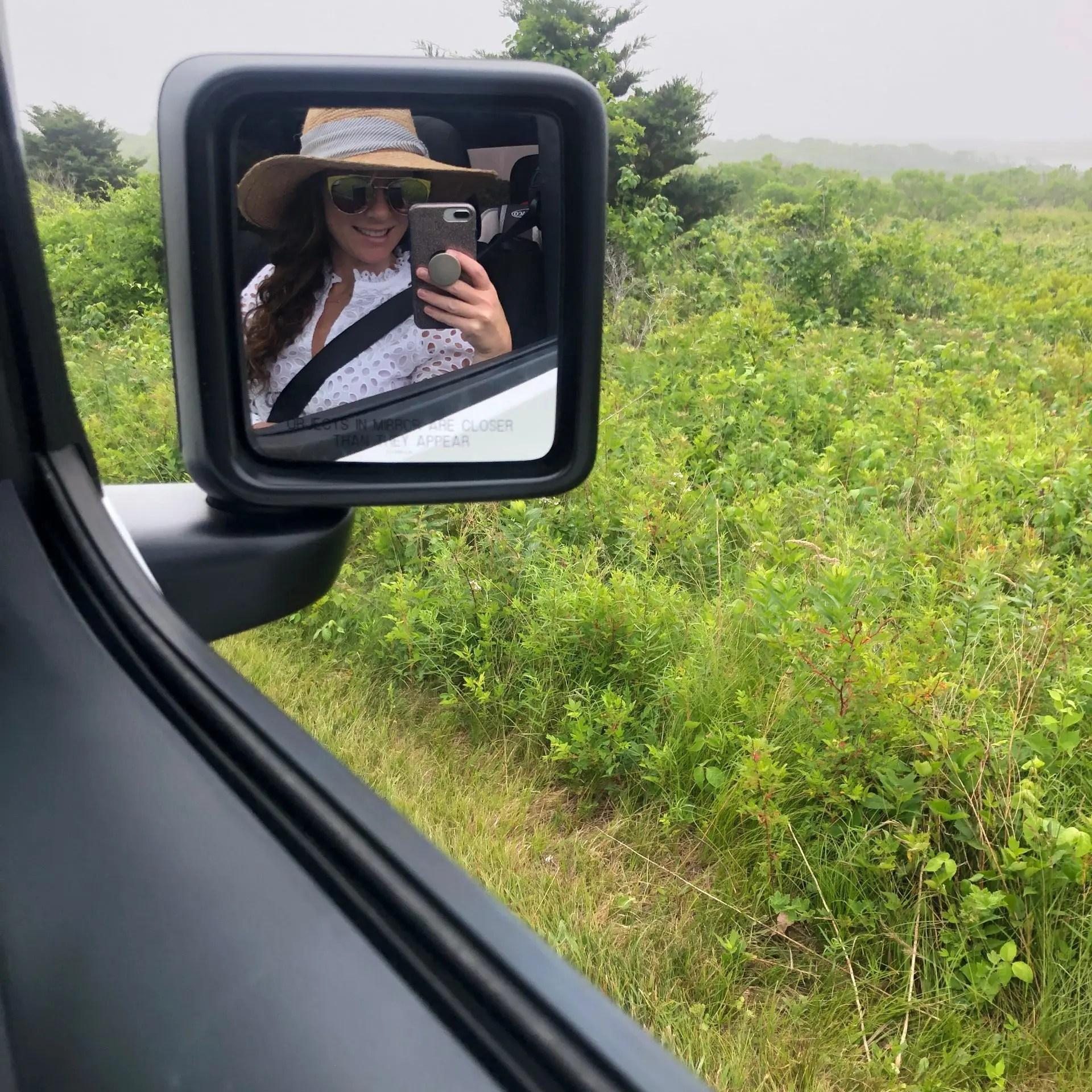 selfie in jeep mirror