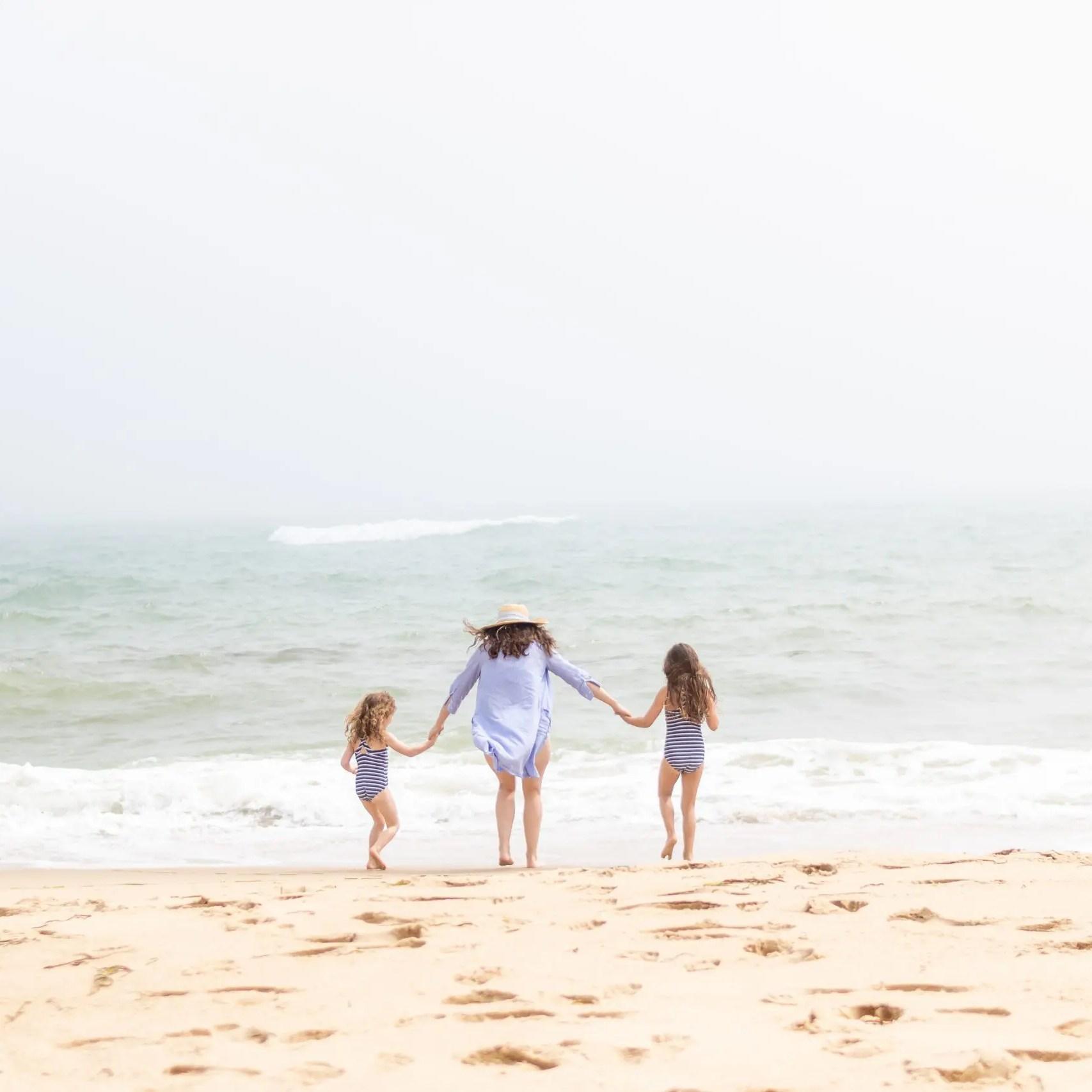 mom with girls on south beach MV