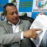 Alcalde de Bambamarca anuncia cambio de horario de trabajo en entidad municipal.