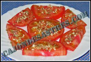 receta ensalada de tomate y ajo