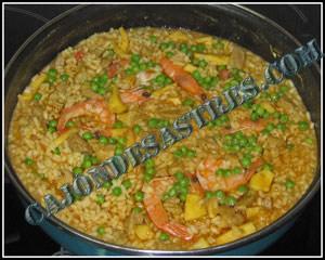 arroz con carne y calamares