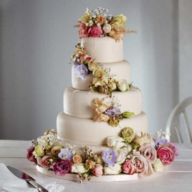 Amazing Wedding cake with flowers