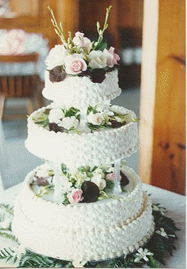 Close Picture Of Wedding Cakes With Traditional Patterns