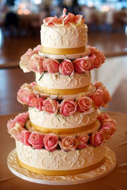 4 Wedding Cakes Tier Pillars