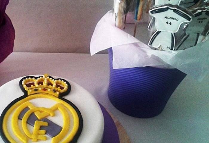 Un Real Madrid Muy Dulce Cakes Cupcakes Y Cookies En Badajoz