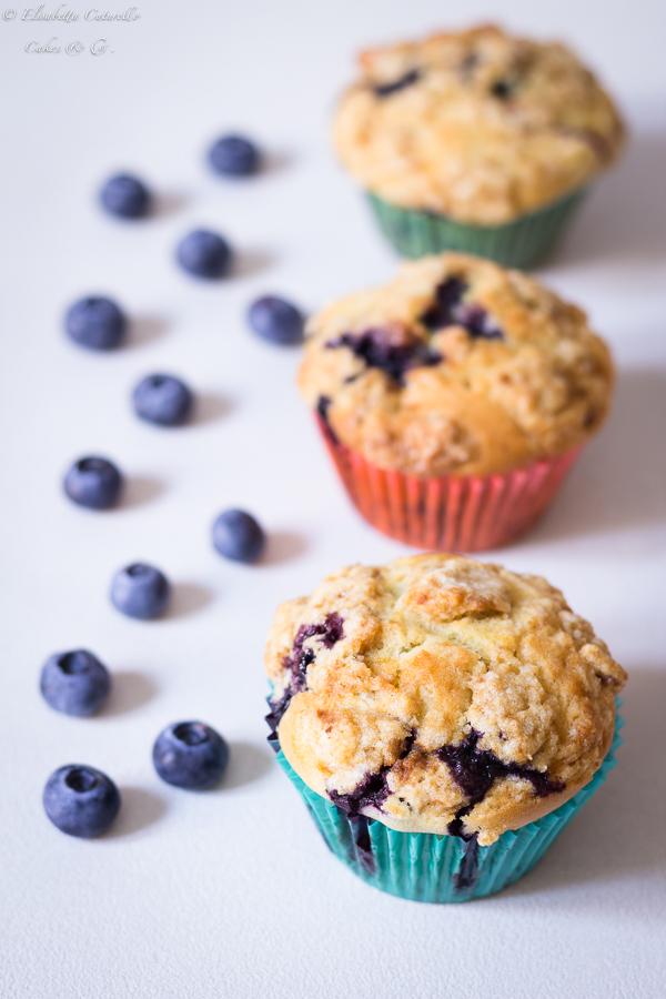 Vegan muffins ai mirtilli in versione estiva e invernale