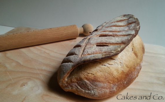 Pane intero con mattarello