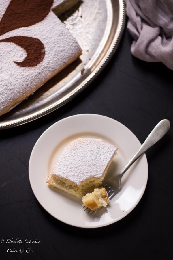 Schiacciata fiorentina con pasta madre un dolce della tradizione del carnevale fiorentino fetta