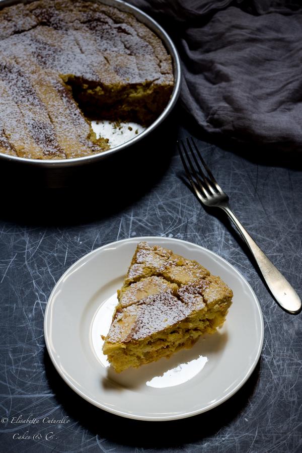 La ricetta della pastiera napoletana, dolce tipico della tradizione partenopea, un guscio di frolla racchiude un ripieno di di ricotta e grano cotto al profumi di agrumi.