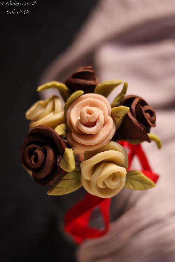 Il cioccolato plastico l'alternativa alla pasta di zucchero: rose tipo 1