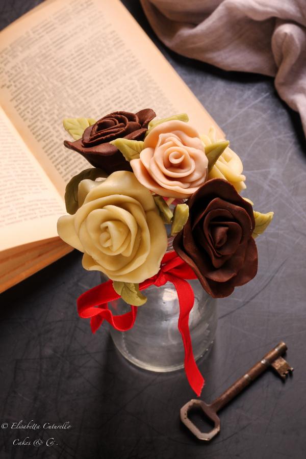 Il cioccolato plastico l'alternativa alla pasta di zucchero: rose tipo due