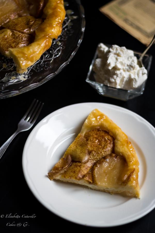 Tarte tatin alle pere e sciroppo d'acero la variante della classica tarte tatin alle mele