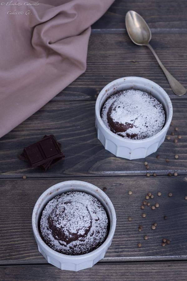 tortino al cioccolato e pepe bianco al microonde un dolce che si prepara in 3 minuti e super goloso.
