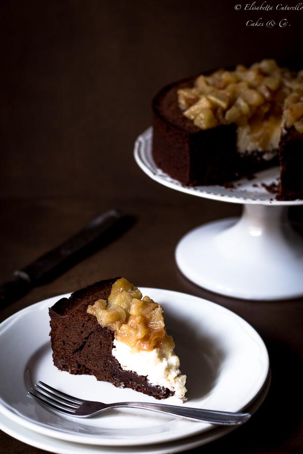 Torta al cioccolato nocciola ricotta e pere caramellate