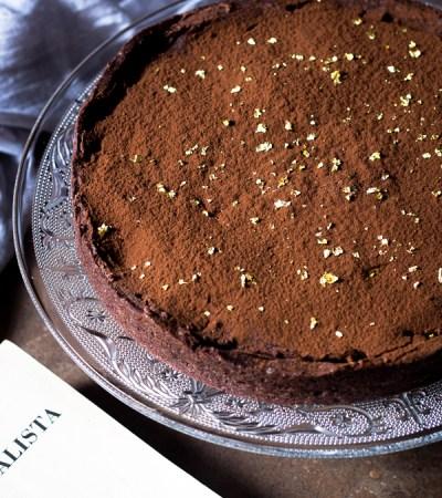Crostata con frolla al cacao caramello salato e ganache al cioccolato