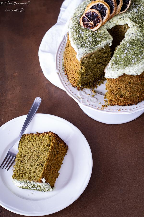 chiffon cake al tè matcha e cocco con ganache al cioccolato bianco