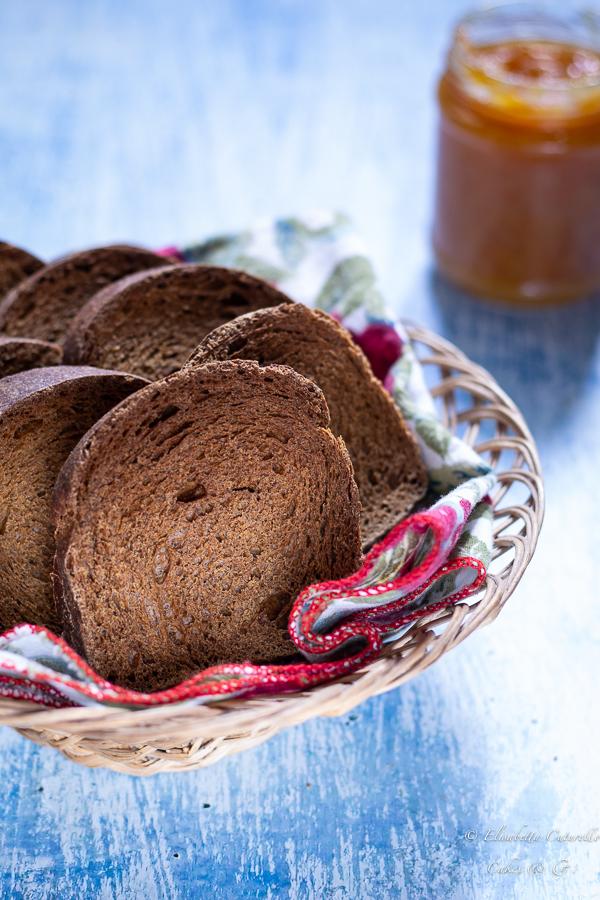 Fette biscottate alla canapa