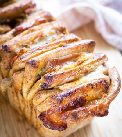 Pull apart bread salato al  pesto e scamorza