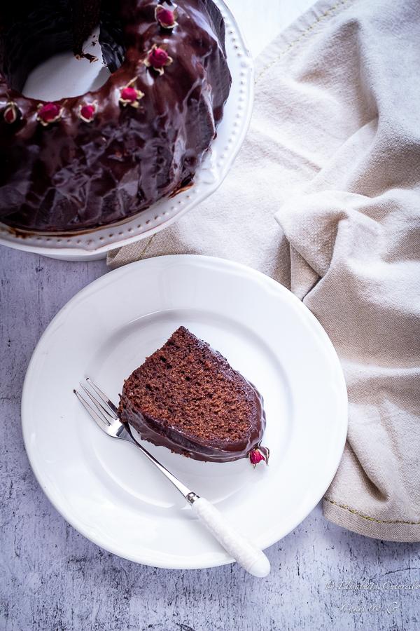 Ciambella al cioccolato e crema di fragola