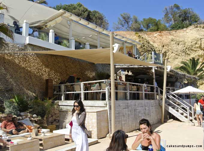 Beachclub-amante-Ibiza-view-bar