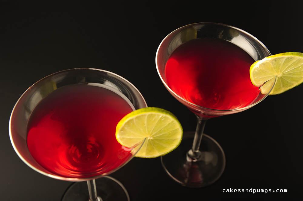 Cosmopolitan cocktail met wodka en triple sec voor cakesandpumps.com