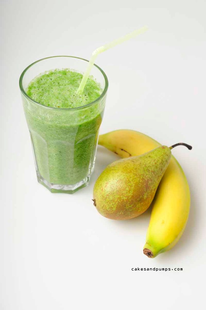 Green Smoothie pear with celery and  spinach