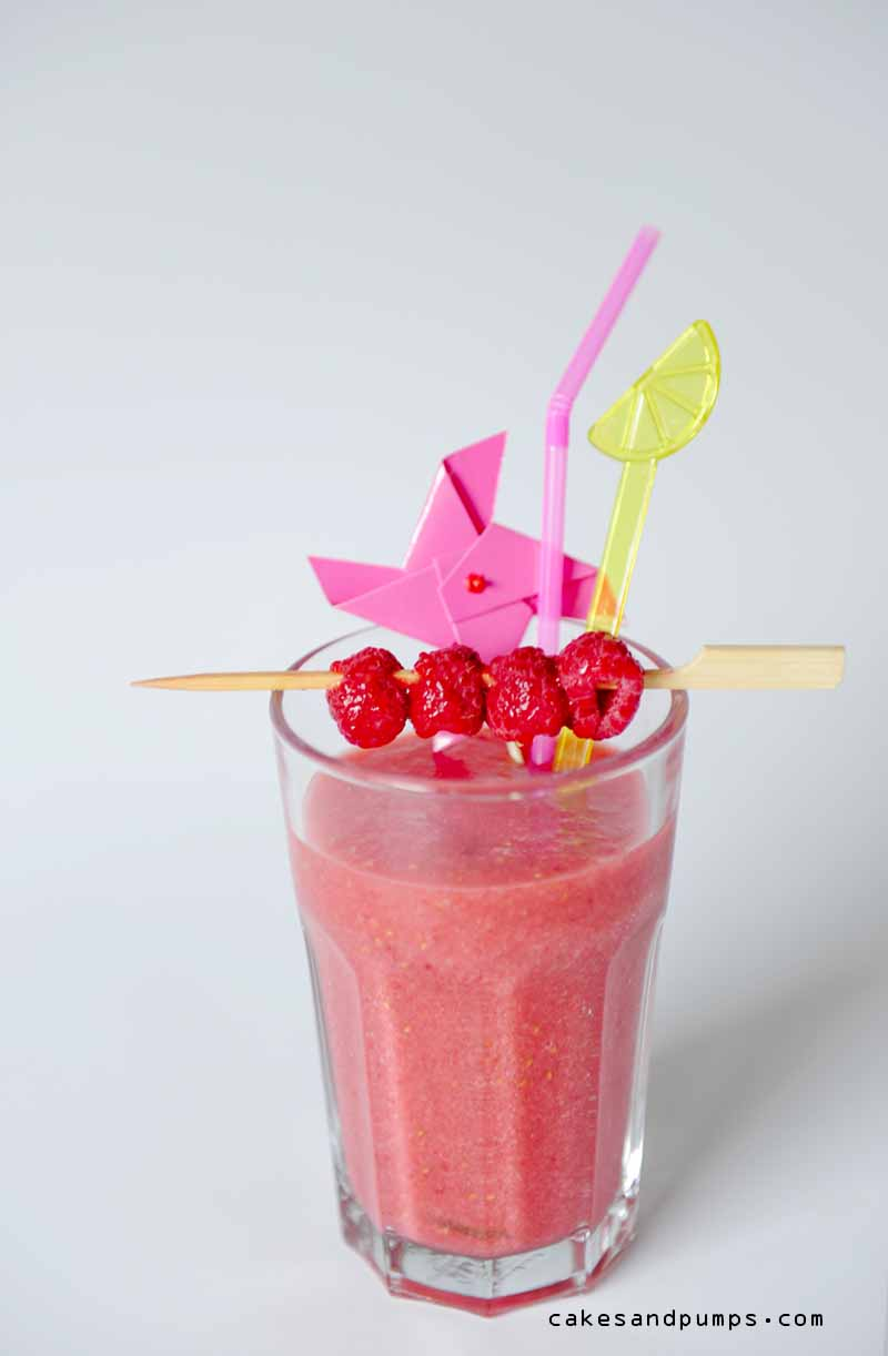 Nice pear raspberry smoothie with honey