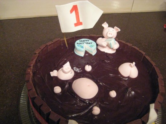 Pigs in Mud Birthday Cake Detail