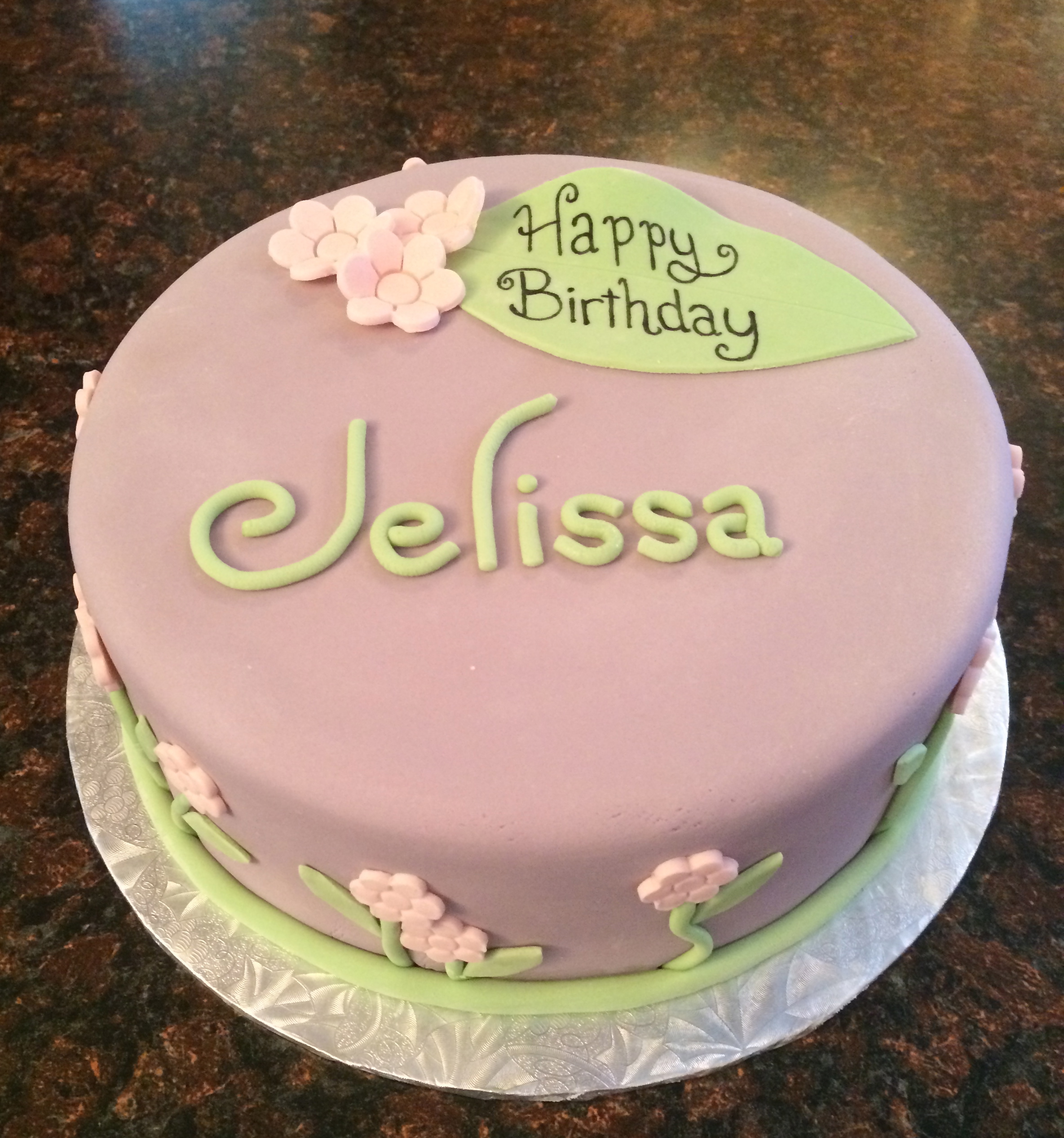 Today's cake is a simple, pretty birthday cake. Birthday girl ...