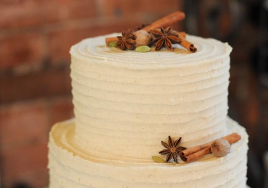 Chai Latte Wedding Cake close up