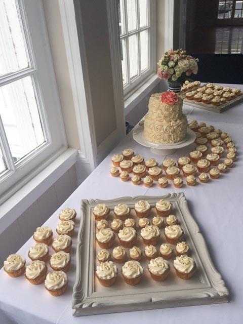 Rosette-wedding-cake-4