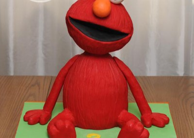 3D sculpted Elmo cake
