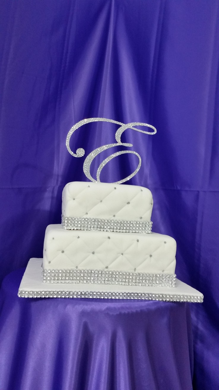 Bling Wedding Cakes   Cakes On The Move Two Tier Bling