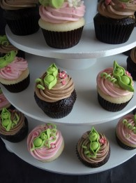 Pea Pod Baby Shower Cupcakes