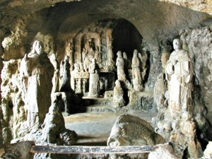 interno chiesa di Piedigrotta